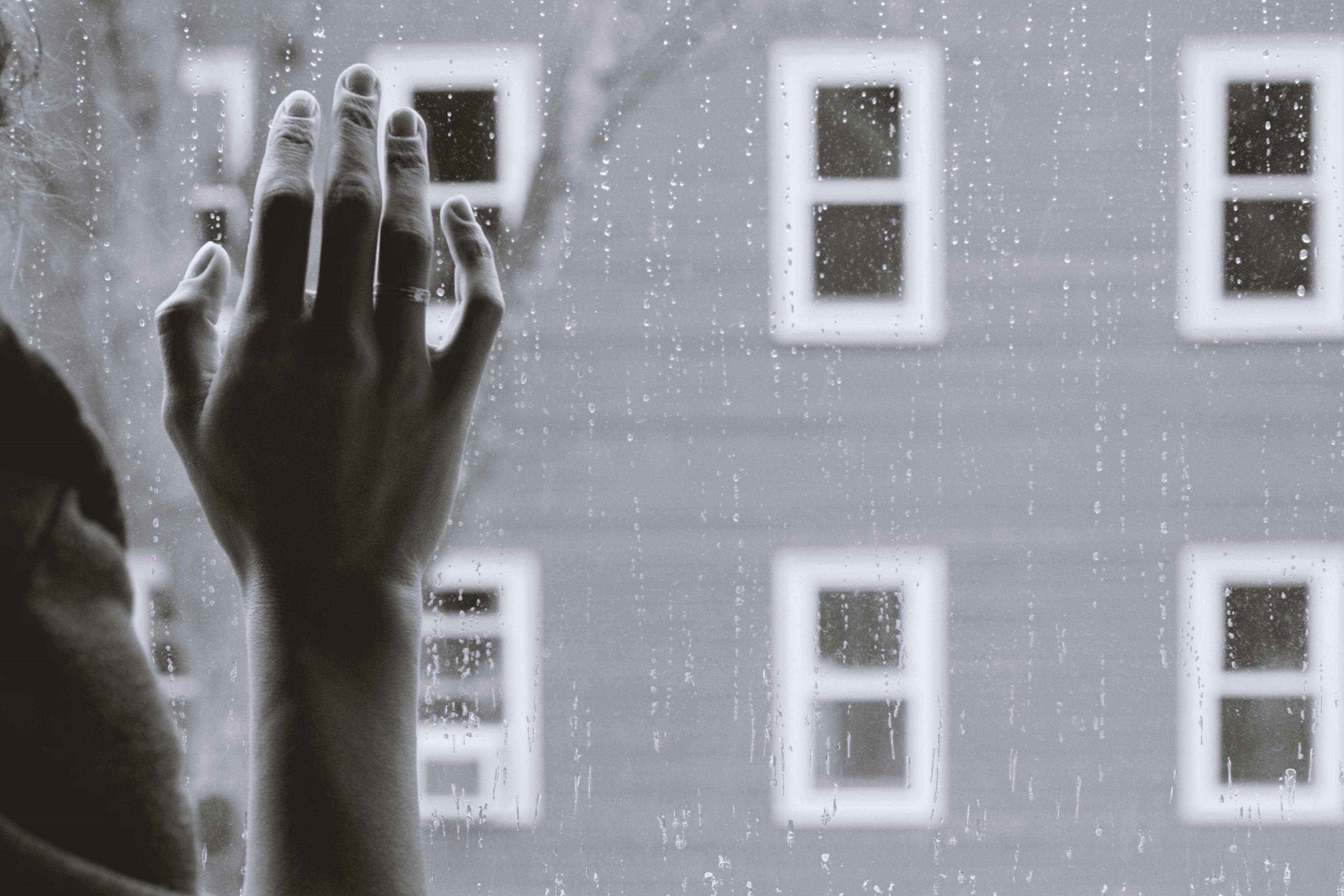 Färre självmord bland svenskspråkiga, men skillnaden mellan språkgrupperna minskar